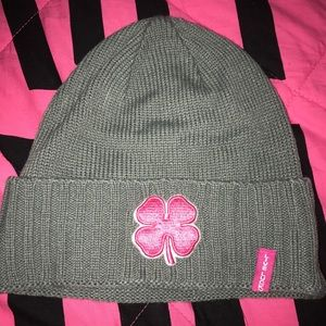Women's black clover beanie new